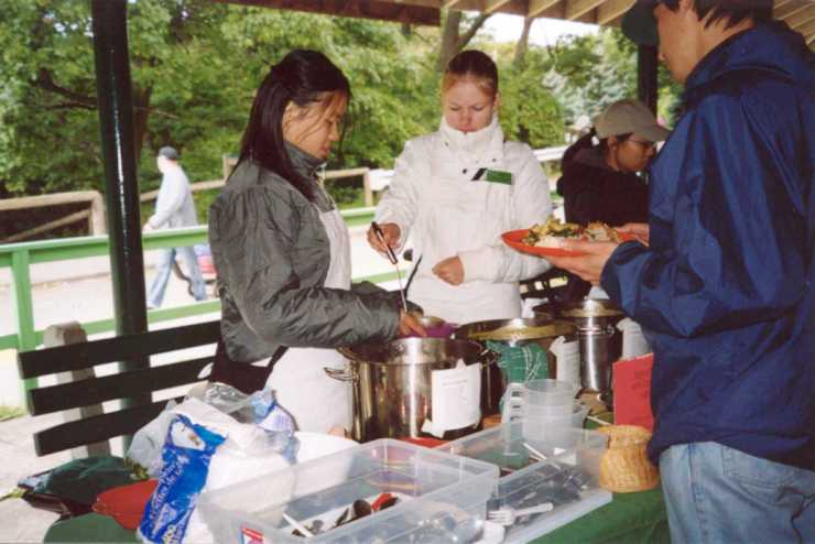 Volunteers Serving Food5